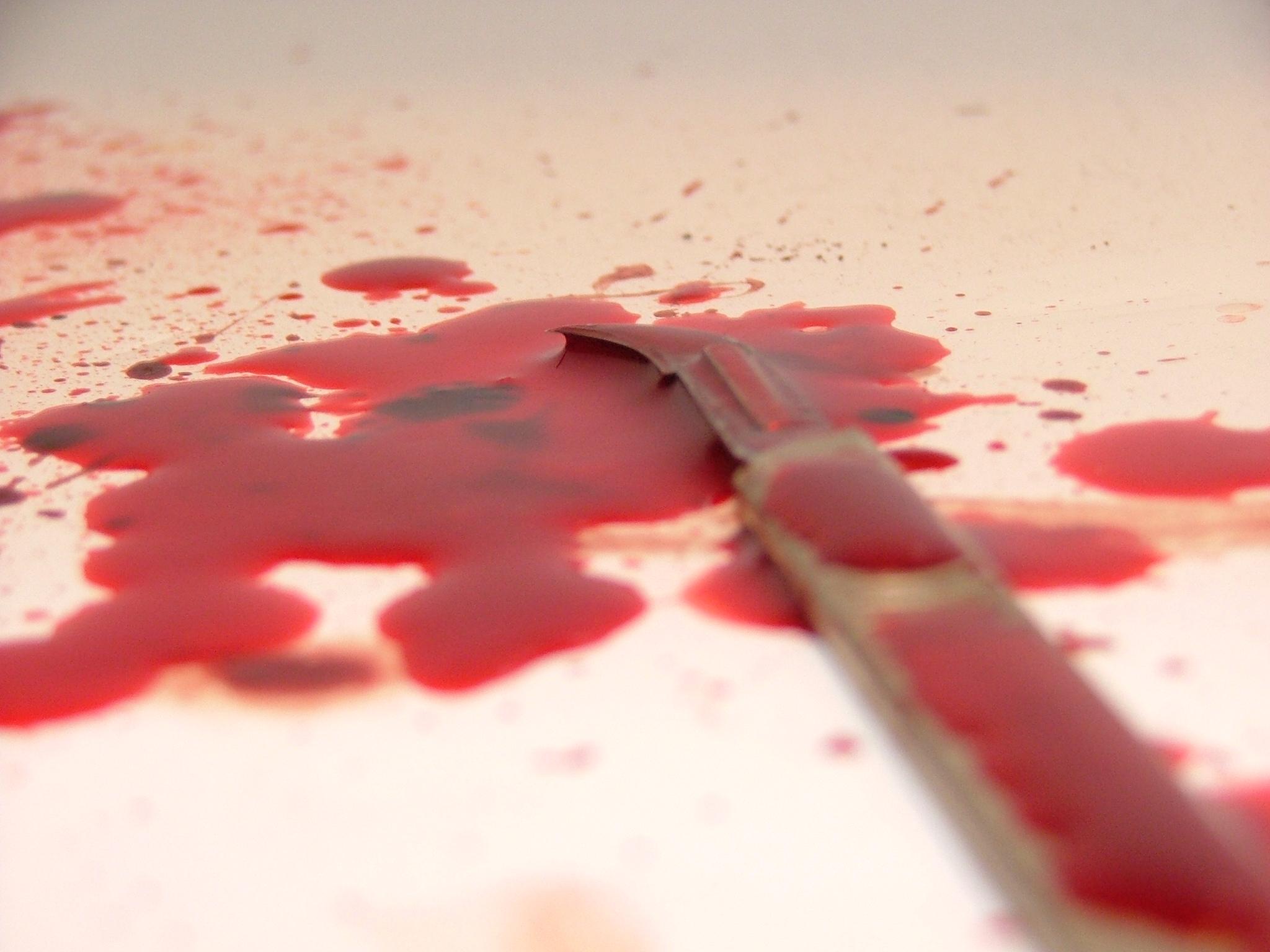 blood-knife-1197796